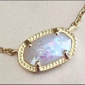 Jewelry - Dainty druzy gold necklace